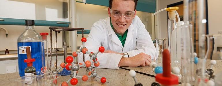 a-level-chemistry-tutor-gia-su-day-kem-hoa-hoc-bang-tieng-anh
