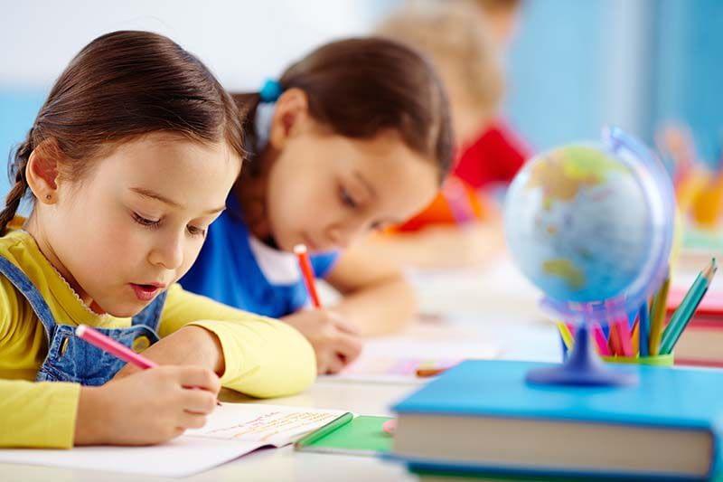 Cách luyện thi A-level theo tài liệu A-level test prep books